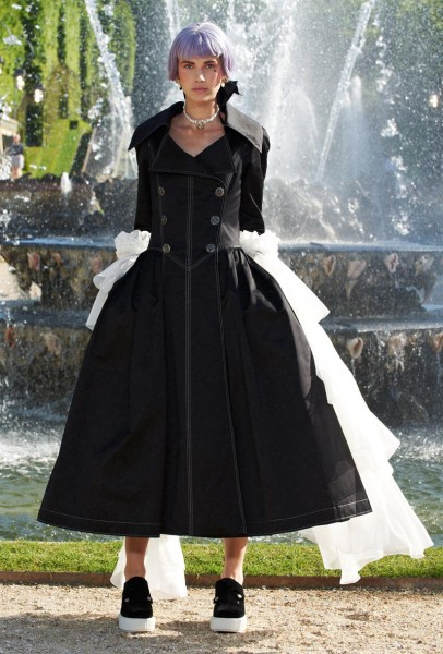 chanel resort51 406x600 Chanel Cruise 2013 Collection