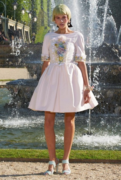 chanel resort55 406x600 Chanel Cruise 2013 Collection