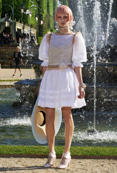 chanel resort58 406x600 Chanel Cruise 2013 Collection