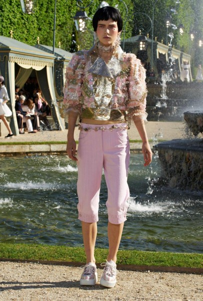 chanel resort60 406x600 Chanel Cruise 2013 Collection