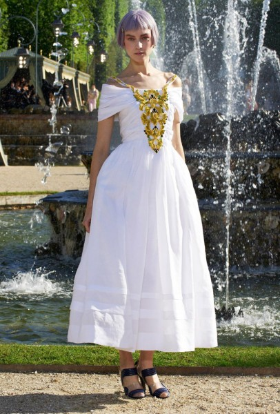 chanel resort67 406x600 Chanel Cruise 2013 Collection
