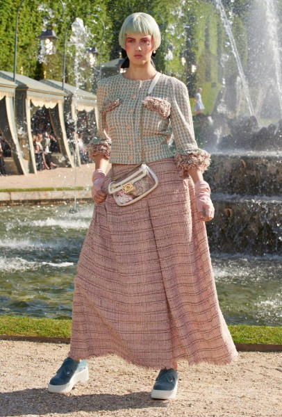 chanel resort8 406x600 Chanel Cruise 2013 Collection