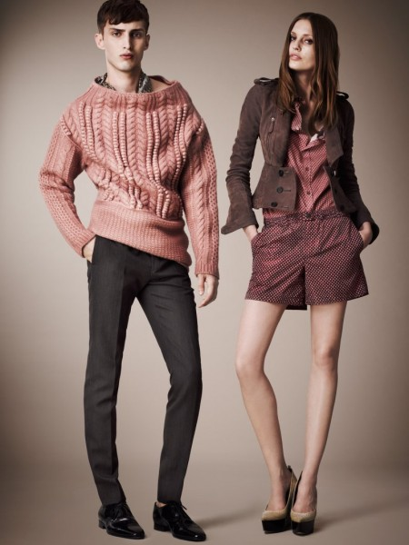 burberry resort19 450x600 Burberrys Resort 2013 Collection is Tailored for Ease