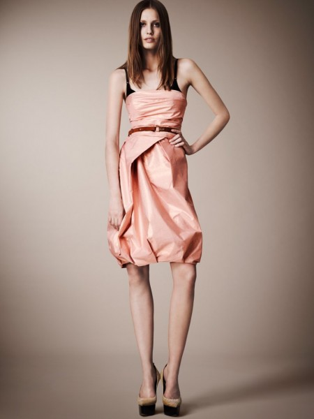 burberry resort22 450x600 Burberrys Resort 2013 Collection is Tailored for Ease