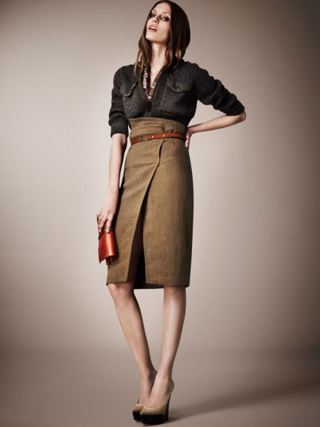 burberry resort8 450x600 Burberrys Resort 2013 Collection is Tailored for Ease