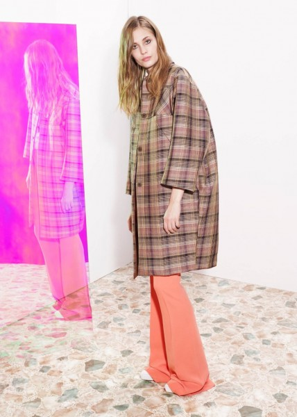 stella mccartney16 428x600 Stella McCartneys Resort 2013 Collection Embraces 70s Style, Colors and Prints