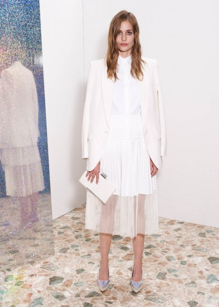 stella mccartney21 428x600 Stella McCartneys Resort 2013 Collection Embraces 70s Style, Colors and Prints