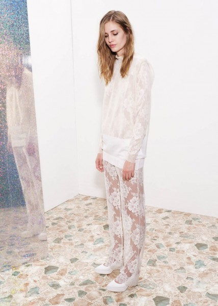stella mccartney26 428x600 Stella McCartneys Resort 2013 Collection Embraces 70s Style, Colors and Prints