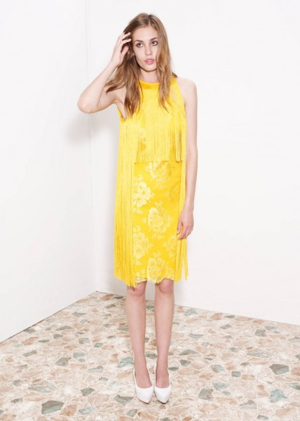 stella mccartney28 428x600 Stella McCartneys Resort 2013 Collection Embraces 70s Style, Colors and Prints