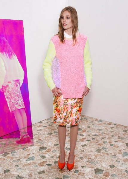 stella mccartney8 428x600 Stella McCartneys Resort 2013 Collection Embraces 70s Style, Colors and Prints