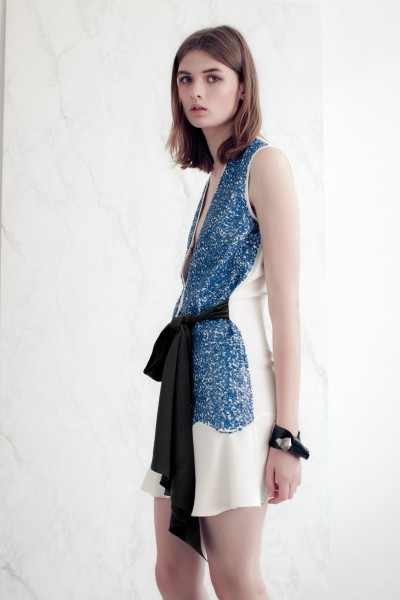 vionnet10 400x600 Vionnets Resort 2013 Collection Offers Airy & Modern Femininity