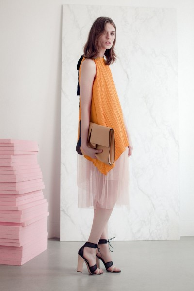vionnet17 400x600 Vionnets Resort 2013 Collection Offers Airy & Modern Femininity