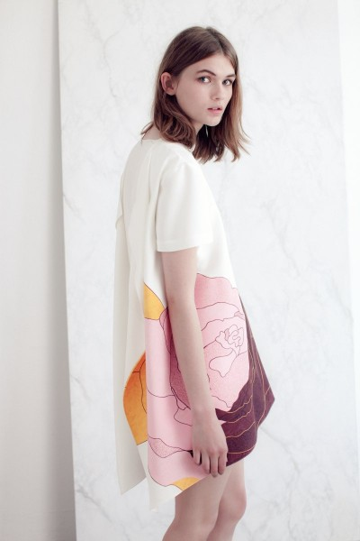 vionnet2 400x600 Vionnets Resort 2013 Collection Offers Airy & Modern Femininity