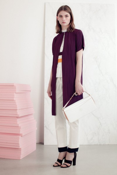 vionnet20 400x600 Vionnets Resort 2013 Collection Offers Airy & Modern Femininity