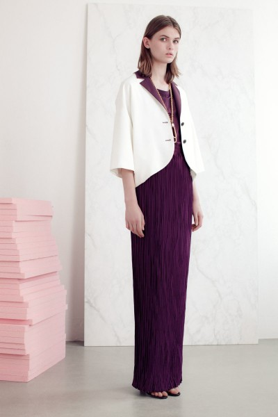vionnet21 400x600 Vionnets Resort 2013 Collection Offers Airy & Modern Femininity
