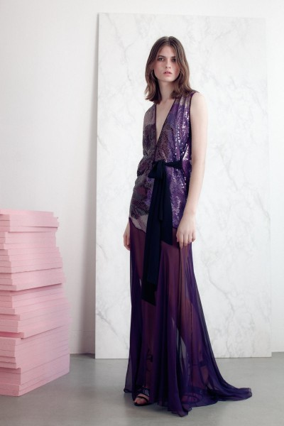 vionnet27 400x600 Vionnets Resort 2013 Collection Offers Airy & Modern Femininity