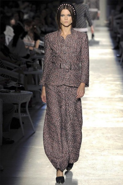 chanel15 400x600 Chanel Fall 2012 Couture | Paris Haute Couture