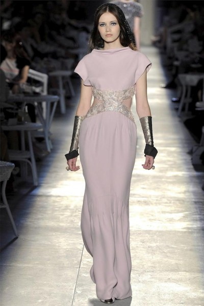 chanel39 400x600 Chanel Fall 2012 Couture | Paris Haute Couture