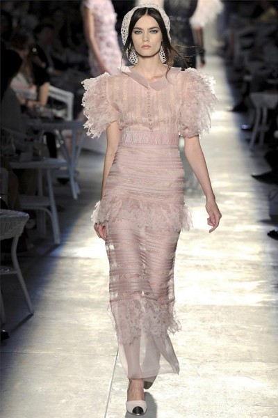 chanel58 400x600 Chanel Fall 2012 Couture | Paris Haute Couture
