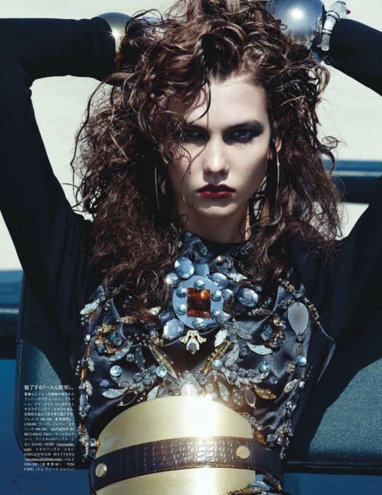Karlie Kloss Gets a Workout for Vogue Japan's September Cover Shoot
