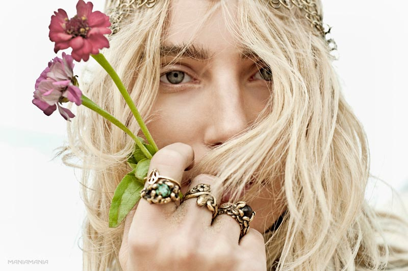 "Dree Hemingway Stars in ManiaMania's ""The Astral Plane"" Campaign by David Mandelberg"