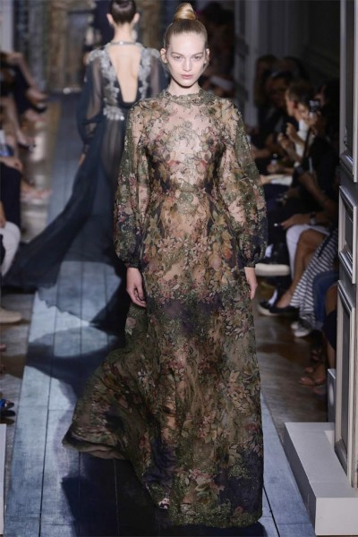 valentino15 400x600 Valentino Fall 2012 Couture | Paris Haute Couture