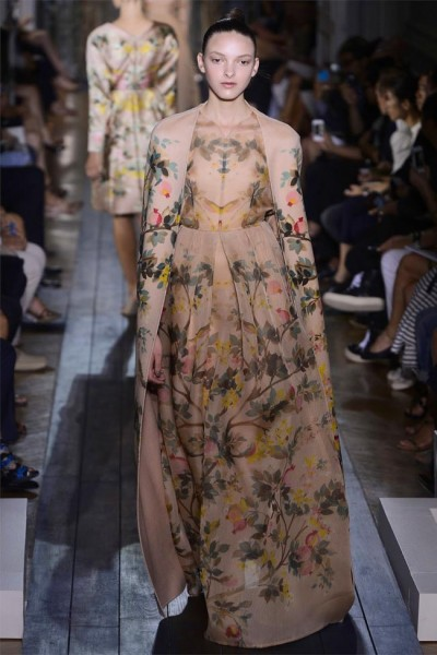 valentino18 400x600 Valentino Fall 2012 Couture | Paris Haute Couture