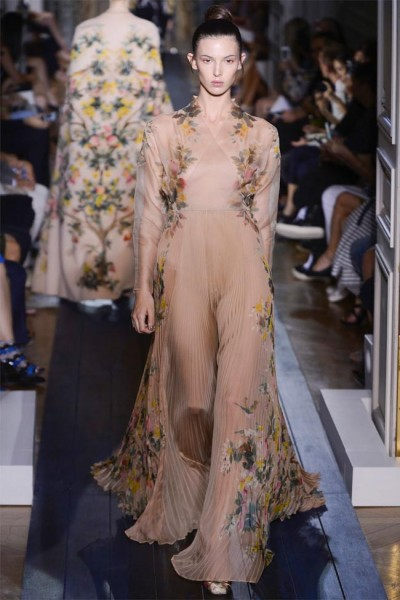valentino19 400x600 Valentino Fall 2012 Couture | Paris Haute Couture