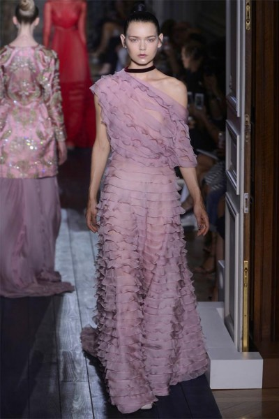 valentino37 400x600 Valentino Fall 2012 Couture | Paris Haute Couture