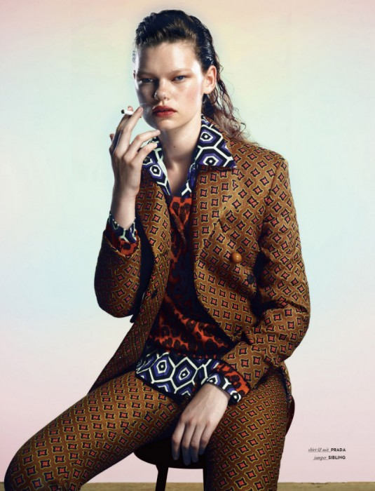 Kelly Mittendorf Gets Comfy in Fall Prints for Vision China by Yasunari Kikuma