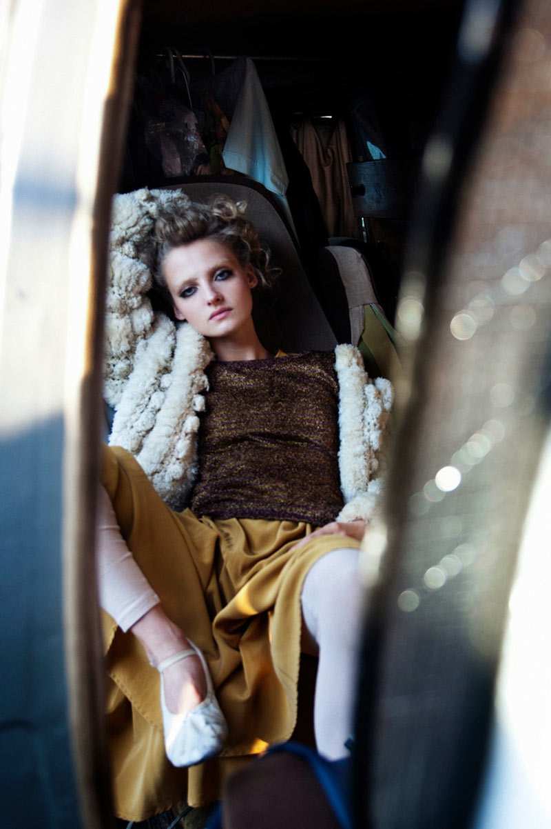 Amanda Norgaard by Joachim Johnson for Smug #5