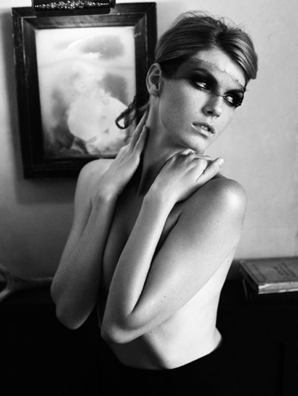 Morning Beauty | Angela Lindvall by Alexi Lubomirski