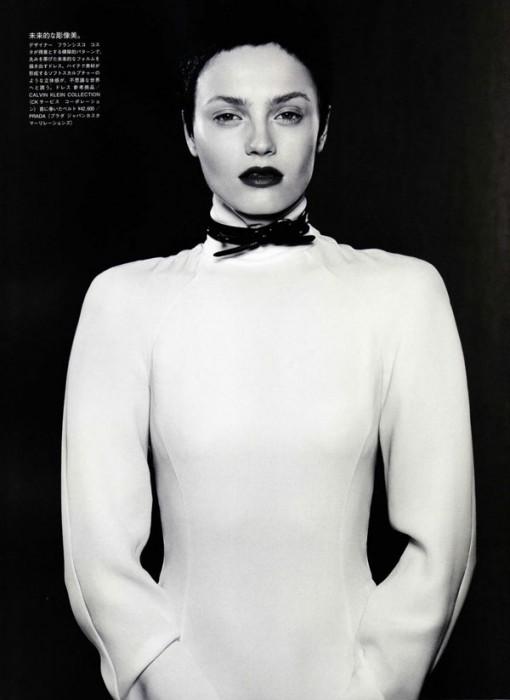 Anna Jagodzinska by Mark Segal in A Thrilling Desire   Vogue Nippon September 2010