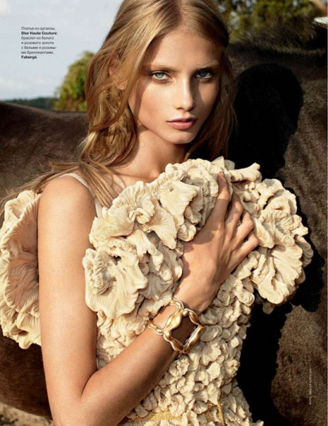 Anna Selezneva for <em>Tatler Russia</em> December 2010 by Maciek Kobielski