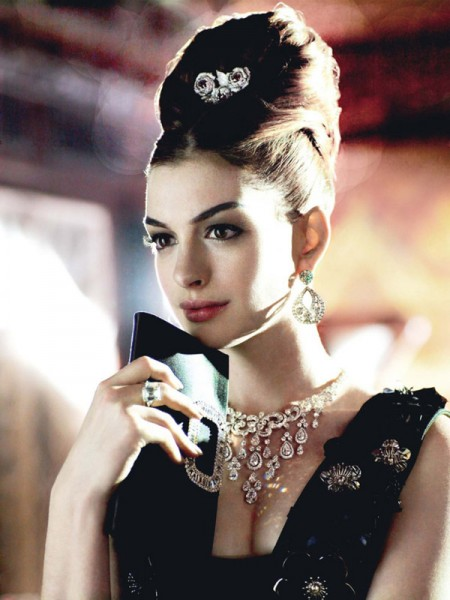 Anne Hathaway for <em>Vogue US</em> November 2010 by Mario Testino