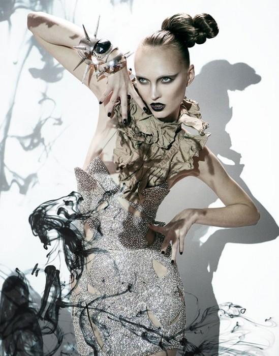 Asia Bugajska by Julia Pogodina in Black Magic   Zink