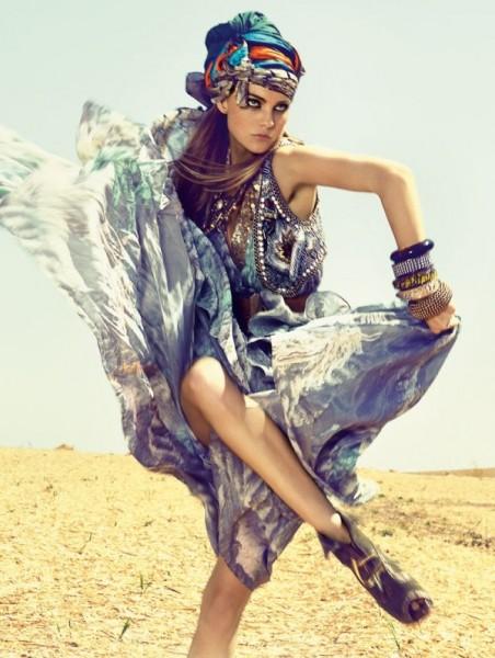 Caroline Trentini for <em>Elle Brazil</em> November 2010 by Zee Nunes &#038; André Katopodis