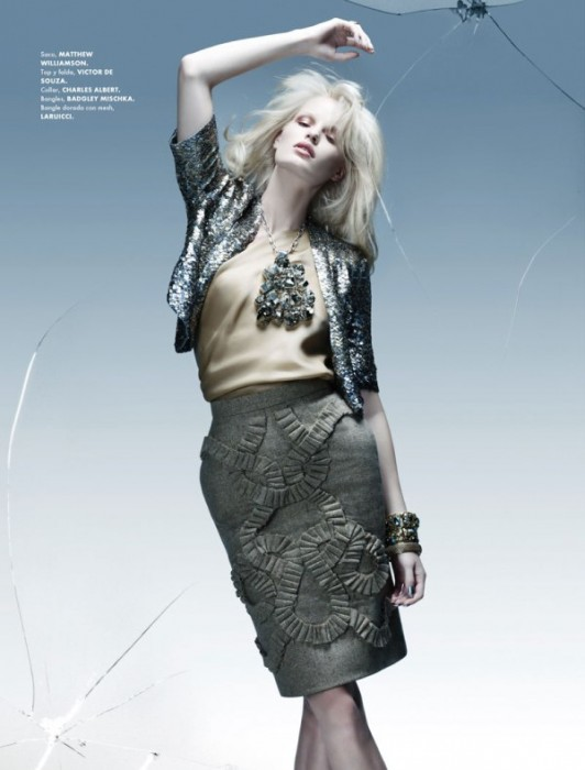 Caroline Winberg by Paco Peregrin for Elle Mexico January 2011