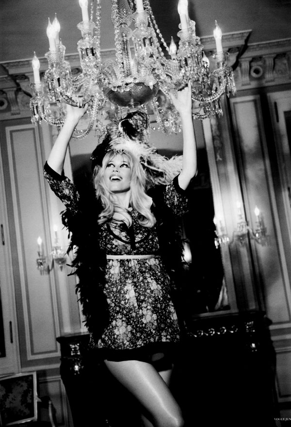 Morning Beauty | Claudia Schiffer by Ellen von Unwerth