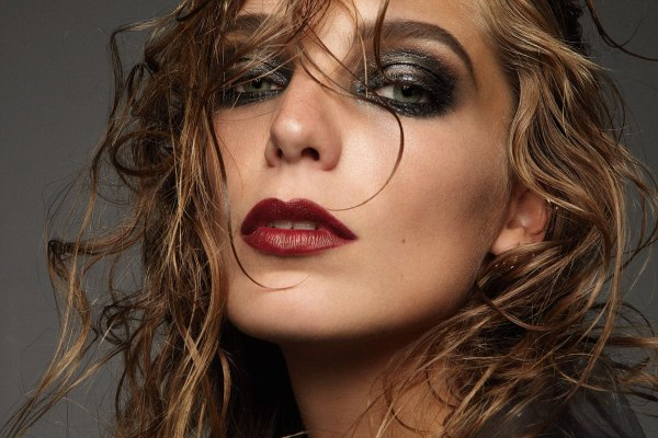 Daria Werbowy by Dusan Reljin for <em>Elle France</em>