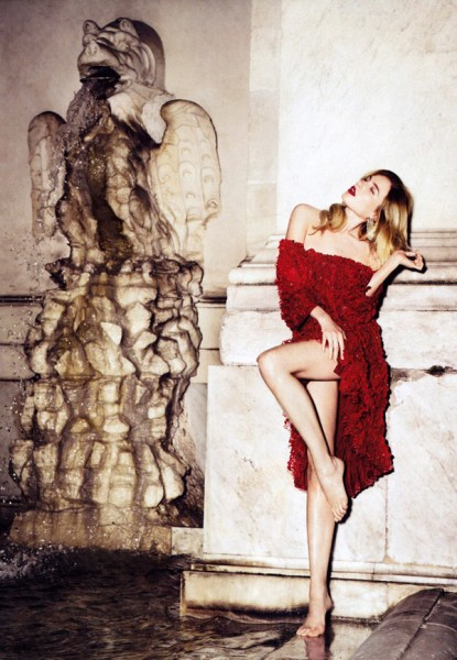 Dree Hemingway by Alexi Lubomirski in Simply Red | <em>Harper&#8217;s Bazaar US</em> September 2010