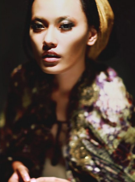 Elle Indonesia August 2010 | Dara & Widika by Jacky Suharto