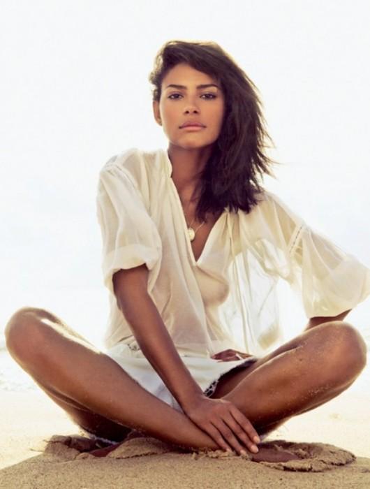 Emanuela de Paula for Vogue Brazil January 2011 by Jacques Dequeker