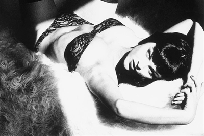 Eva Herzigova by Ellen von Unwerth   Back to Betty