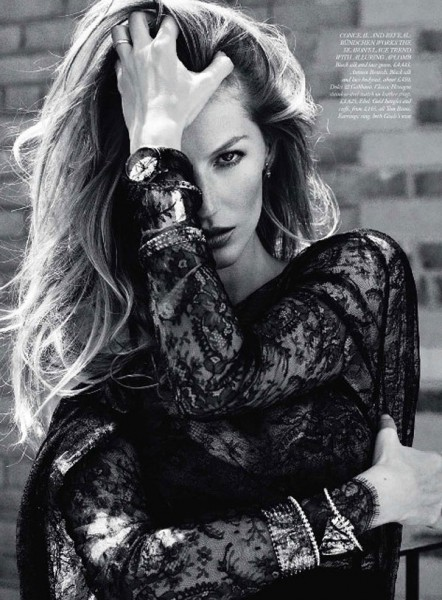 Gisele Bundchen for <em>Harper's Bazaar UK</em> September 2010 by Cédric Buchet