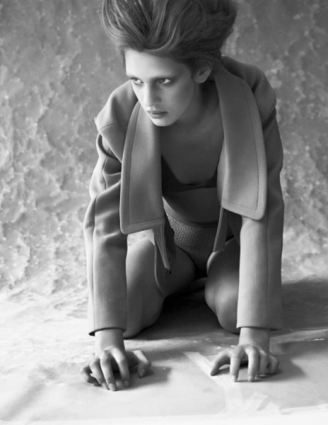 Hint Magazine | Ilvie Wittek by Nils Boldt-Christmas