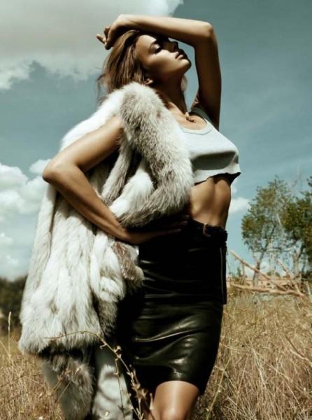 Irina Shayk by Santiago Esteban for Elle Spain November 2010