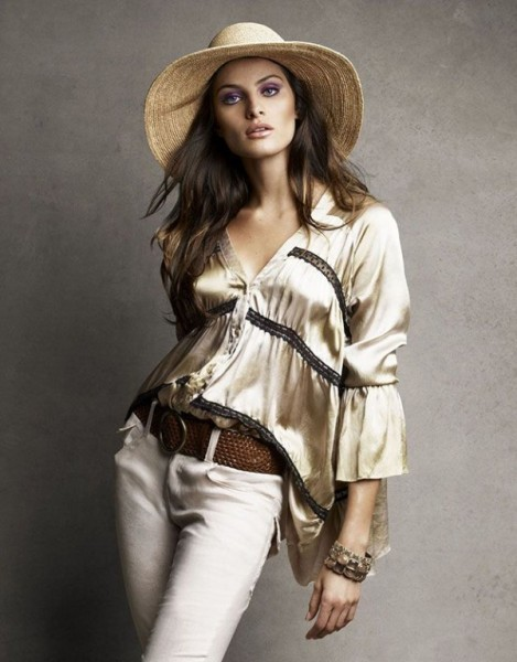 Isabeli Fontana for <em>Vogue Brazil</em> November 2010 by Patrick & Victor Demarchelier