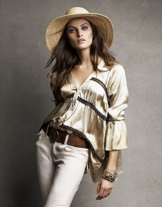 Isabeli Fontana for Vogue Brazil November 2010 by Patrick & Victor Demarchelier