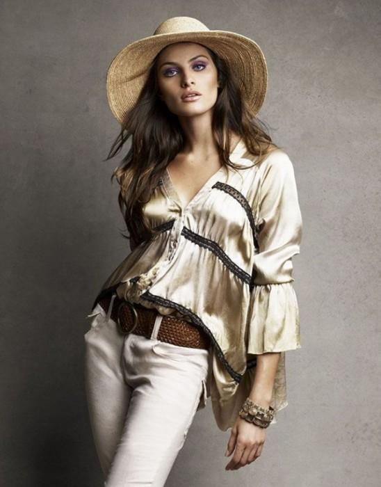 Isabeli Fontana for Vogue Brazil November 2010 by Patrick & Victor Demarchelier